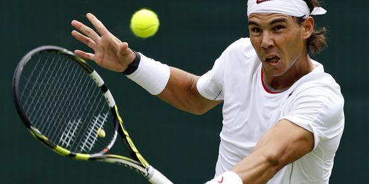 Rafael Nadal, dont le bras gauche fait des miracles sur les courts de tennis, ici le 24 juin 2013.