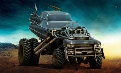 """Les bolides de """"Mad Max : Fury Road"""" The Gigahorse - Ou un véhicule composé, entre autres, à partir d'une Cadillac Coupé DeVille, présente en deux exemplaires."""