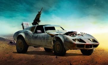 """Les bolides de """"Mad Max : Fury Road"""" Buggy #9 - Possède une place supplémentaire pour qui veut prendre l'air et s'occuper des autres voitures autour."""