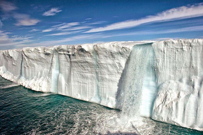 La fonte des glaces en Norvège par Cotton Coulson