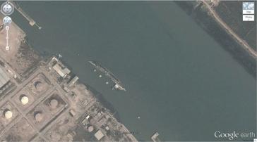 Un navire coulé (30,541634, 47,825445) Bassorah, en Irak