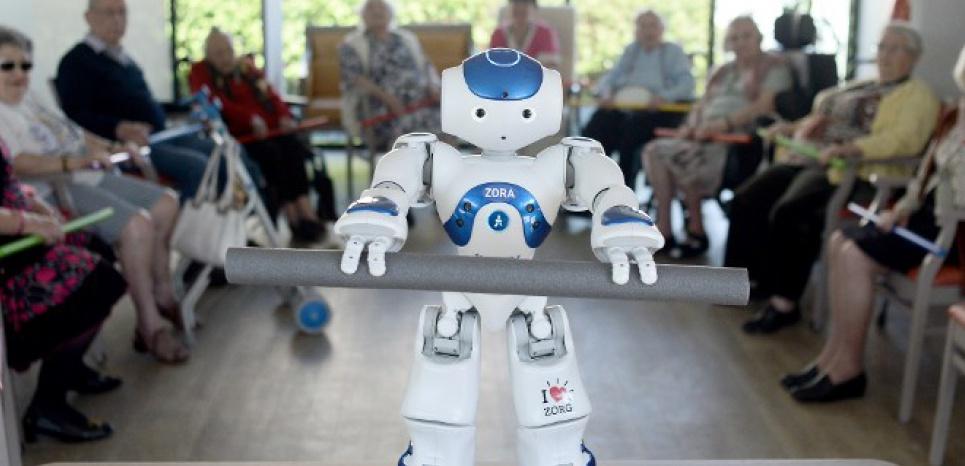 Le robot nao coach pour seniors dans une maison de - Acheter une chambre dans une maison de retraite ...