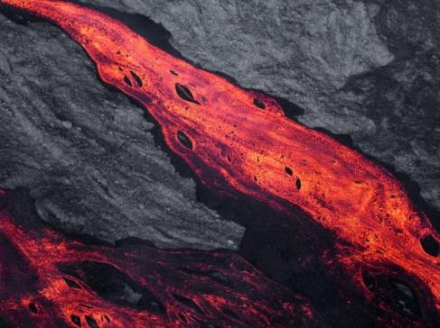 Les experts pensent que cette éruption pourrait durer plusieurs semaines.RICHARD BOUHET / AFP