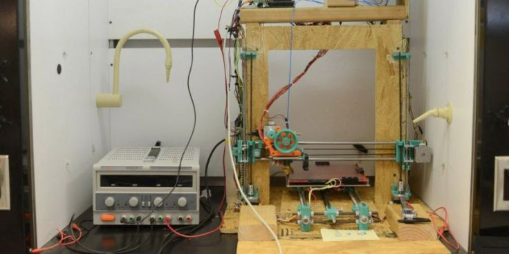 La prothèse, une sorte de tube, a été confectionnée à l'aide d'un scanner et d'une imprimante en trois dimensions (photo d'illustration).
