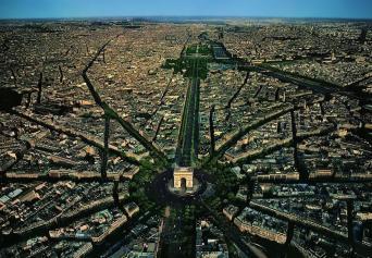 14. L'Arc de Triomphe